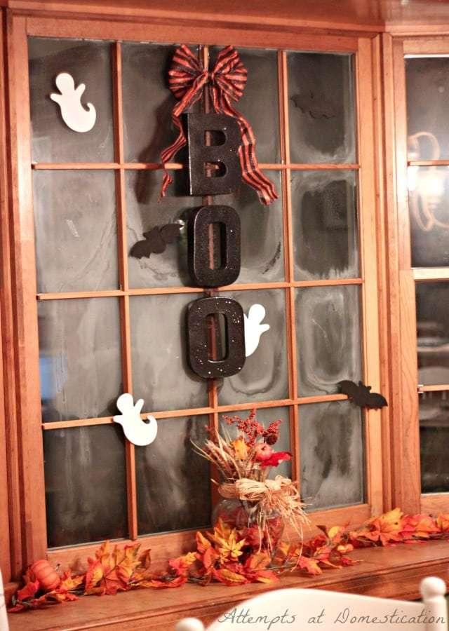 Halloween window vignette